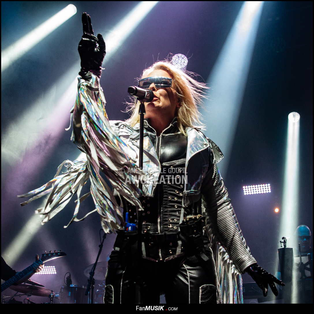 Kim Wilde, Tournée Here come the aliens